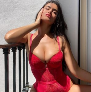 אנג'ליקה סקסית בת 22