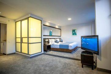 אמבסי מלון תל אביב