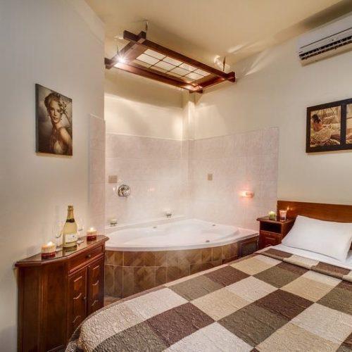 מלון לוטוס תל אביב