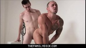 Two Hot Stepbrothers Kirk Cummings &amp_ Jack Hunter Fuck While Taking Family Photo For Daddy