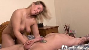 I fuck my friend&#039_s horny blonde daughter