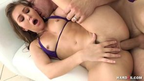 Anal loving big booty babe enjoying hardcore sex