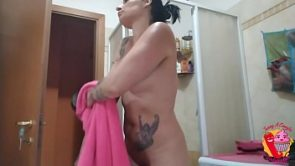 Horny tattoed mom gets filmed under the shower – Onlyfans